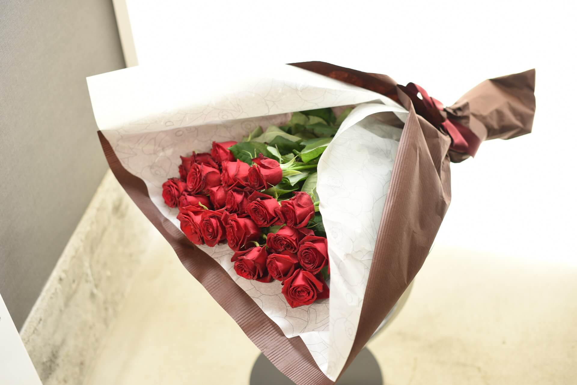 赤いバラの花束20本