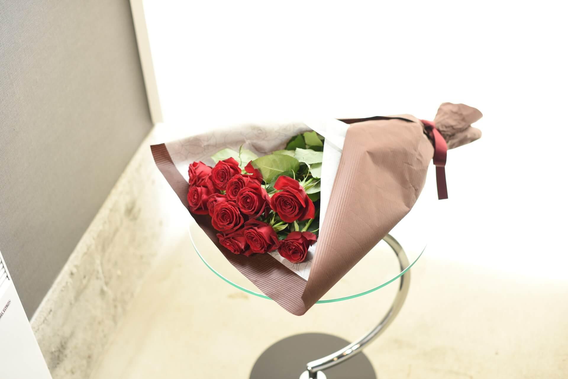 赤いバラの花束11本